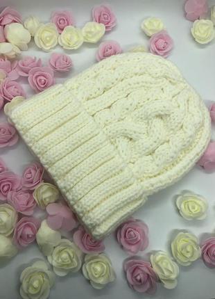 "Белая зимняя теплая шапка ""косички"" 30% wool"