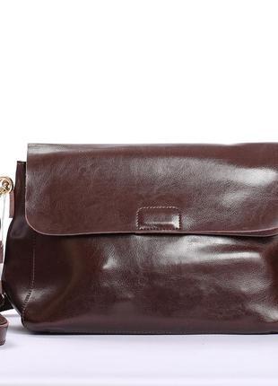 Кожаная сумочка  на длинной ручке, цвет шоколад