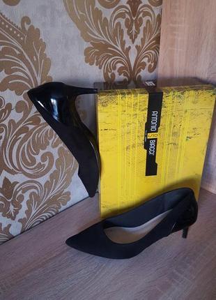 Актуальные комбинированные лодочки на низкой шпильке/ повседневные офисные туфли