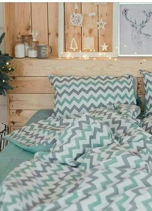 Очень красивый постельный набор, 2-спальный и полуторка