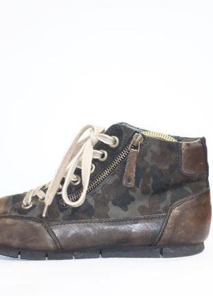 Кожаные ботинки в стиле милитари