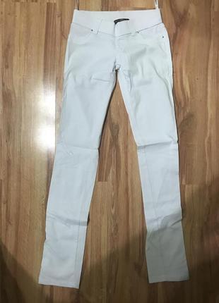 Білі штани versace