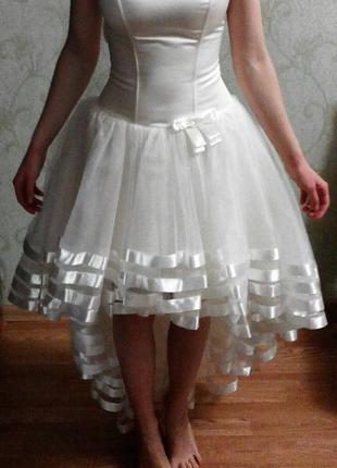 Платье вечернее на корсете; сукня вечірня