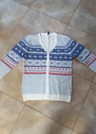 Очень классный свитер..