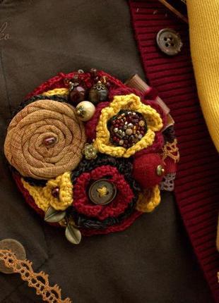 """Брошь """"терпкий мед"""", текстильная брошь, вязаная брошь, брошь с натуральными камнями"""