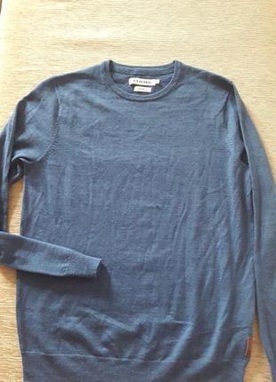 Мягкий свитер шерсть 100 на м