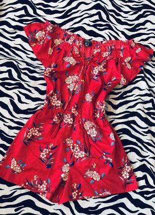 Красный ромпер,комбинезон с шортами