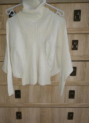 Оригинальный укороченный свитер