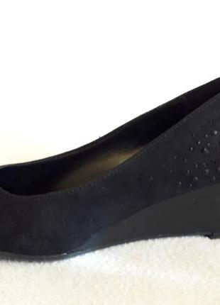 Стильные туфли на танкетке фирмы graceland ( германия) р. 39 стелька 25,5 см