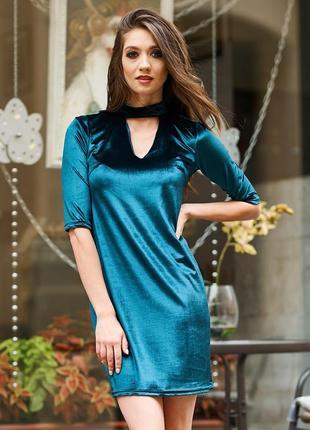 Велюровое платье с чокером