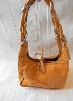 Рыжая кожаная маленькая сумочка от wittchen