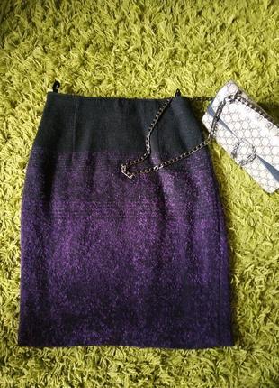 В наличии брендовая,красивая,теплая юбочка...