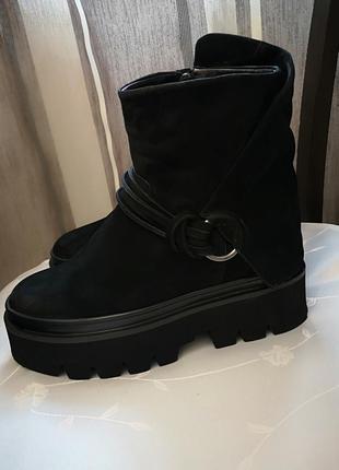 Зимние ботинки модные