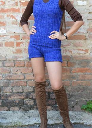 Вязаный костюм: вязаная жилетка и шорты синего цвета индиго,с-м