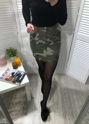 Джинсовая юбка милитари