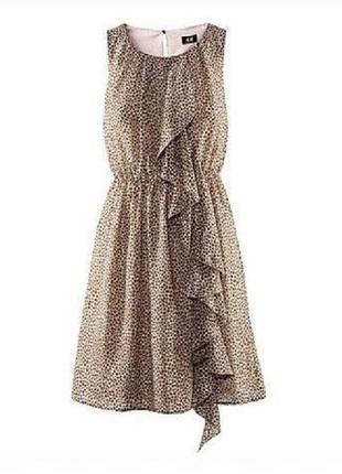 Короткoe платье без рукавов с оборкой рюшами анималистический принт xs-s