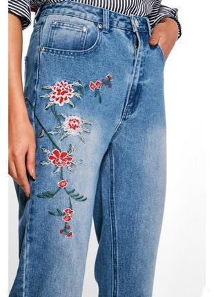 Mom джинсы с вышивкой