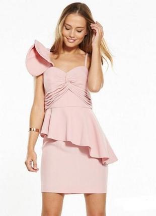 Празничное платье с волнами