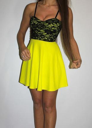 Яркое платье с гипюровой спинкой- ткань вафелька!