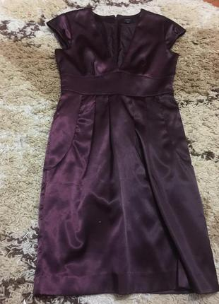 Очень красивое фирменное атласное платье