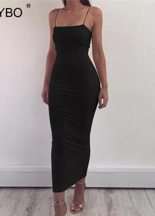 Чёрное платье на брительках прямой фасон