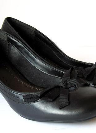 Туфли кожаные лодочки clarks