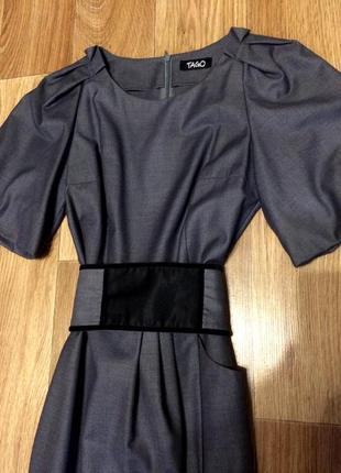 Приталенное платье tago в офисном стиле! в идеальном состоянии!