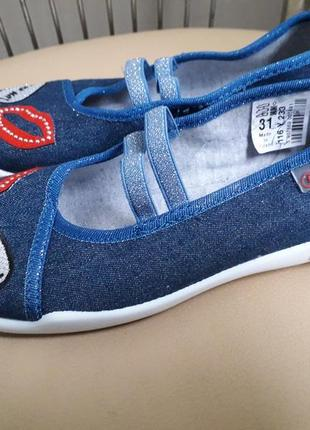 31 p. нові зручні туфлі тапочки мокасини балетки befado