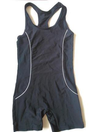Черный спортивный купальник шортами для девочки мальчика лет 7-8, рост 122-128 см