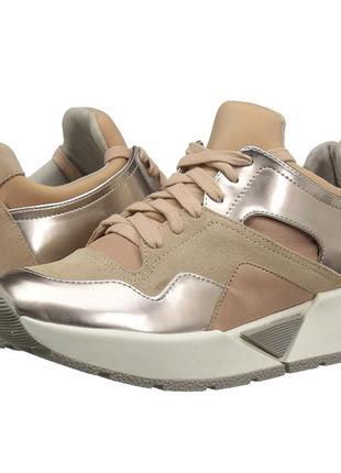 Шикарные кожаные с золотом кроссовки dolche vita us6  35р( нога 22-22,5)