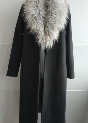 Стильное пальто-халат new look со съемным воротником из меха