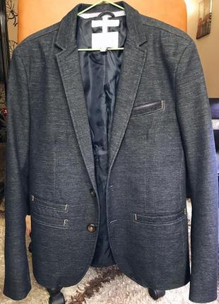 Мужской пиджак в стиле кэжуал