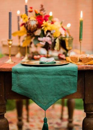 Льняная дорожка на стол с кисточкой