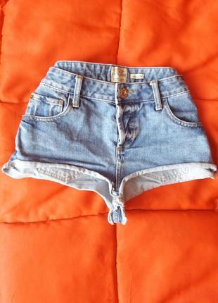 Короткие секси шорты с высокой талией