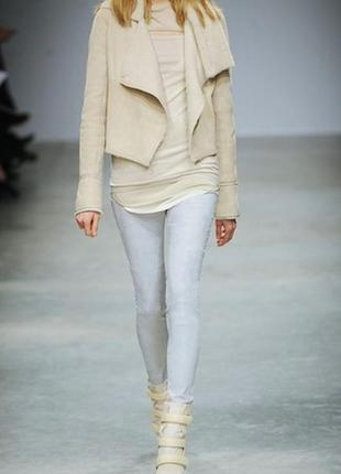 Zara джинсы скинни укороченные с лёгкими потёртостями