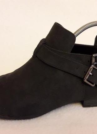 Закрытые туфли фирмы graceland ( германия) р. 38 стелька 24,5 см