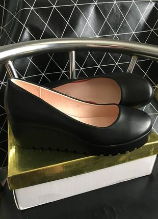 Туфельки женские новые на платформе в наличии 38 размер