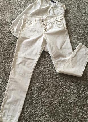 Белые джинсовые брючки италия