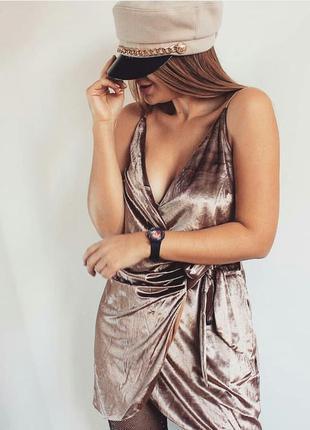 Шикарна шерстяна кепі з золотом