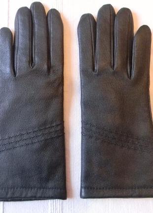 Жен.кожаные перчатки новые р.м
