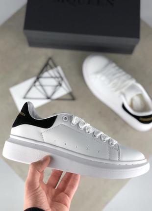 Женские белые кроссовки alexander mcqueen разные размеры в наличии