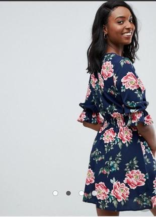 Нереально красивое платье с цветочным принтом2 фото