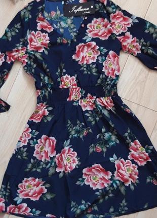 Нереально красивое платье с цветочным принтом4 фото