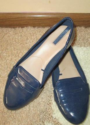 Лаковые синие балетки stradivarius