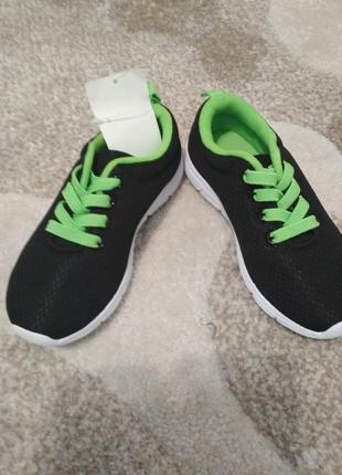 Легкие и стильные кроссовки от h&m
