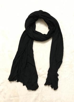 Чёрный трикотажный шарф палантин