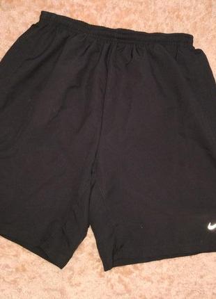 Спортивные мужские шорты бренда nike dri-fit