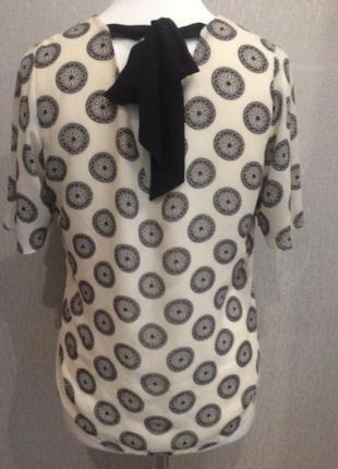 Блуза с бантом на спине