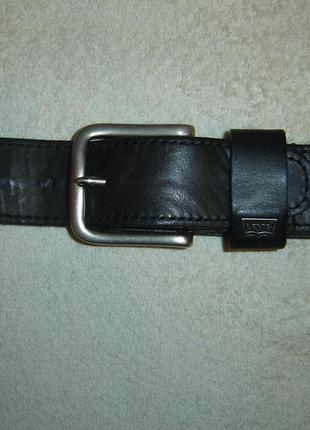 Ремень кожаный levi's длиной 101 см