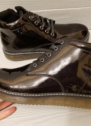08cb28738627 Лаковые демисезонные ботинки на байке с супинатором р.33-37,5 обмен возврат